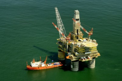 Oil Rig Employment: What Do You Need To Do Before You Get Hired?