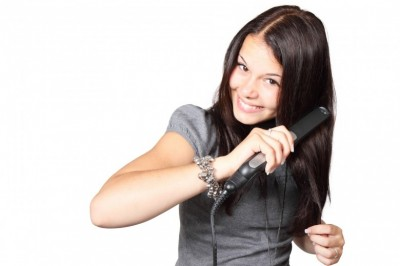 Hair straightener – Is the high temperature safe for your hair?